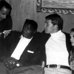 TV executive Tom Tannenbaum, World Heavyweight Champion Floyd Patterson, Ryan O'Neal and LTY September 1967 (LTY 9 months pregnant with son Patrick)